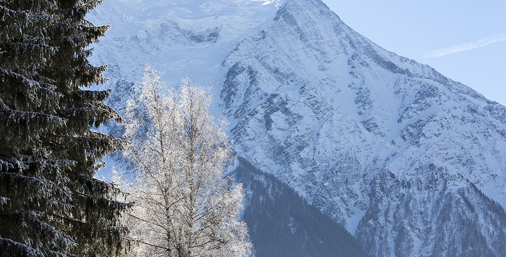 The Best Places to Ski in April : Chamonix