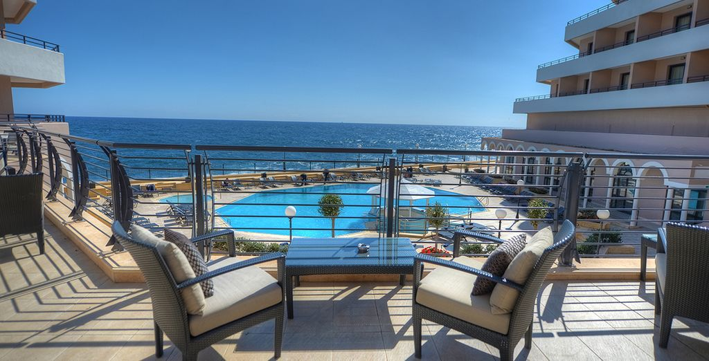 A 5* hotel enjoying a privileged location facing the sea and the bay of Saint-Georges