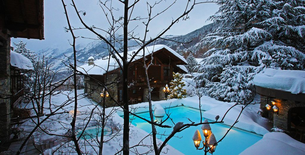 The Mont Blanc Village 5 * is ready to welcome you ...