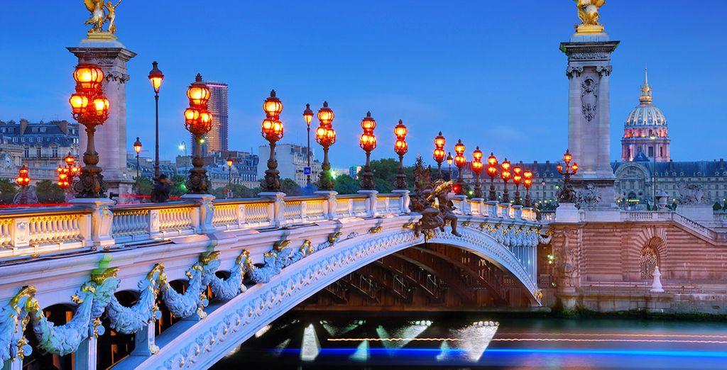 Book your romantic getaway to Paris!