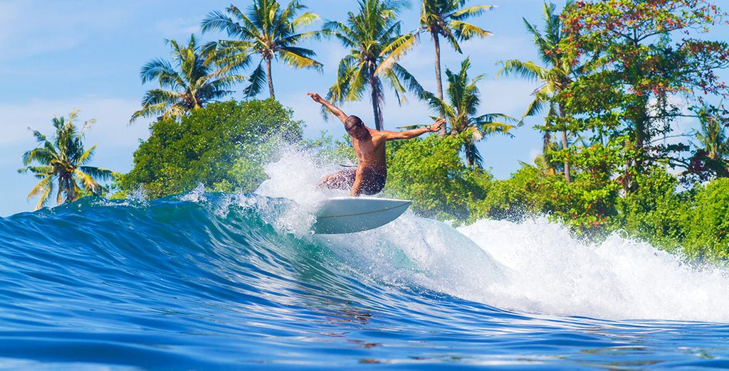Travel Guide to Bali : Surf in Bali