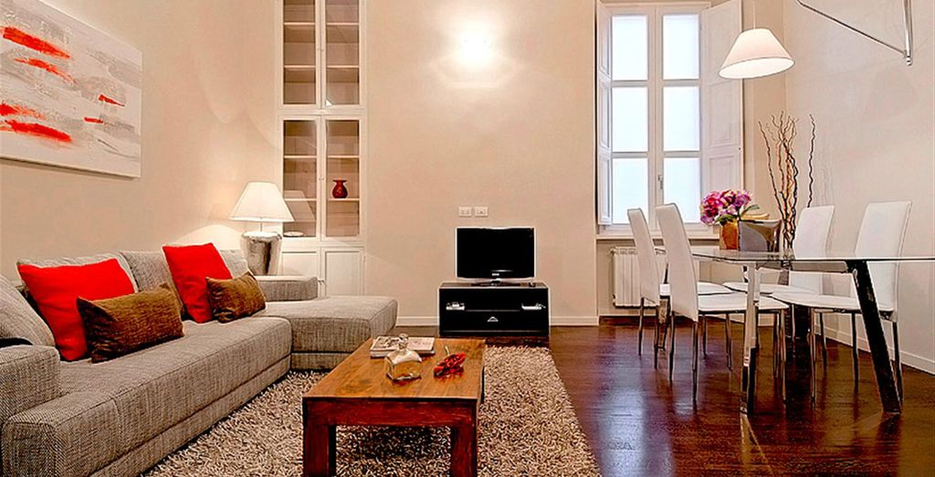 Apartment 5: And spacious living room -all near to the Vatican!