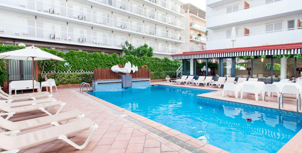 Hotel Xaine Park 4* - hotel close to the beach in lloret de mar