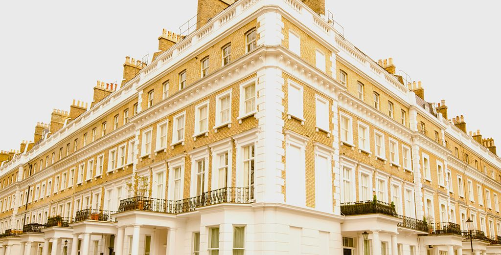 Set in Knightsbridge you are able to head out and explore London!