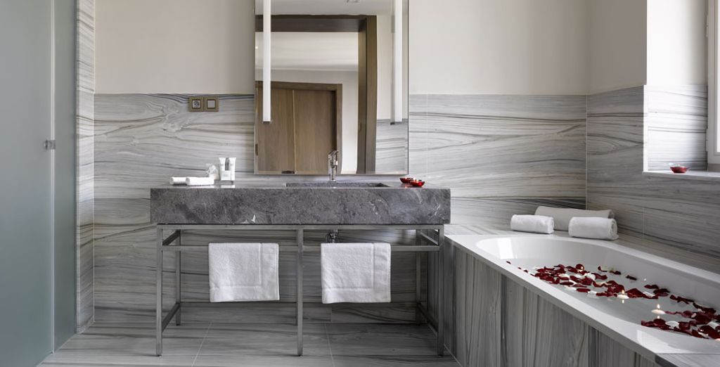 With a sleek, modern en suite