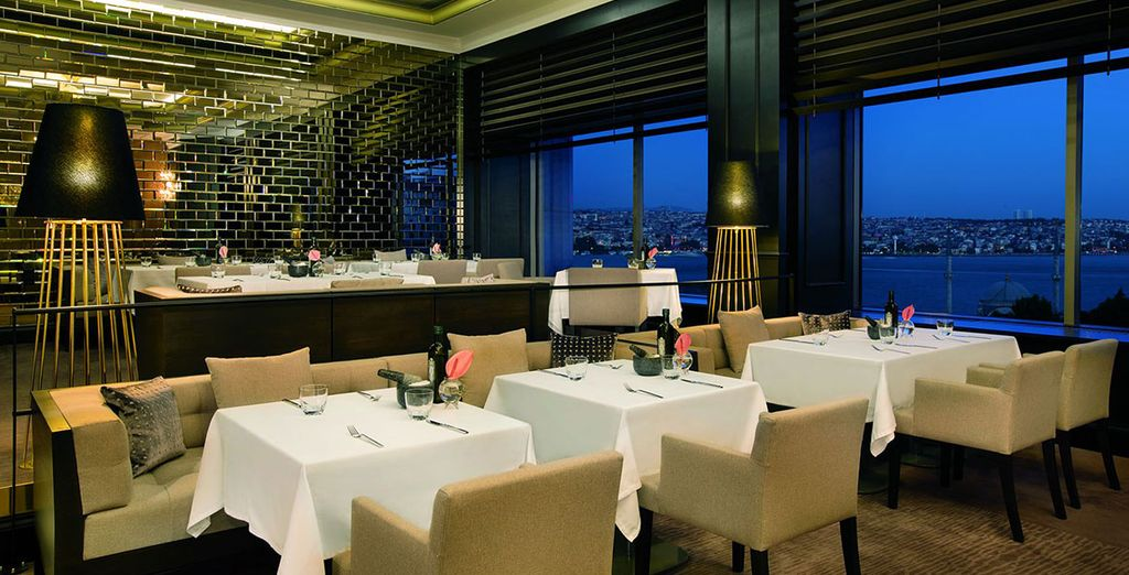 Enjoy exceptional dining experiences including Bleu Lounge and Atelier Real Food