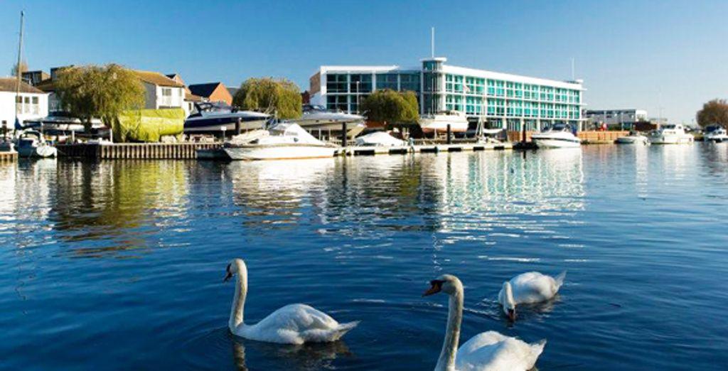- Captain's Club Hotel**** - Christchurch - England  Christchurch