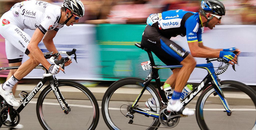 Experience the exhilarating final stages of the Tour De France