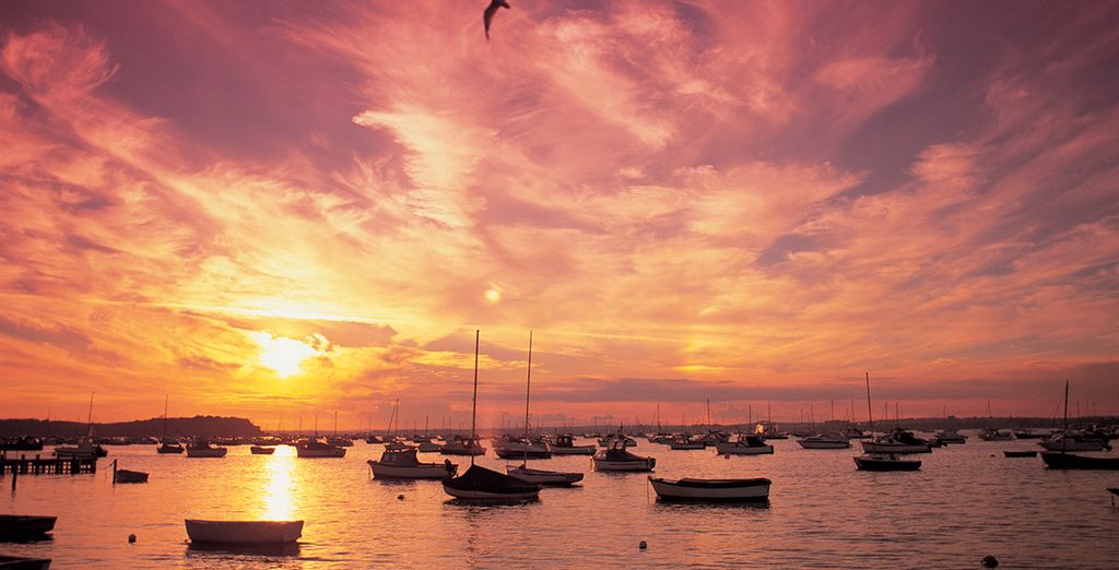 Discover the famously stunning poole sunsets - Harbour Heights Hotel 4* Poole