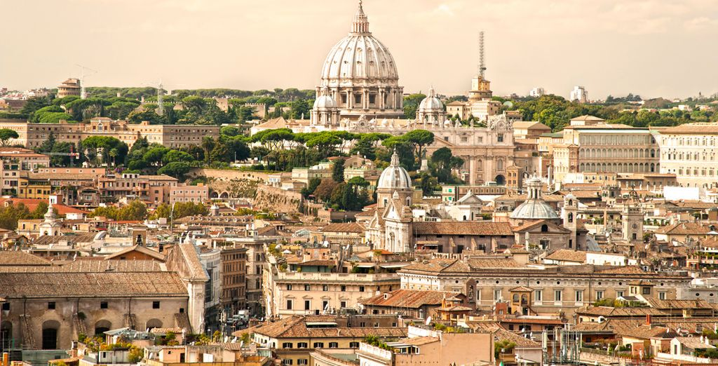 Take a break with a stay in Italy's capital city of Rome - Berg Luxury Hotel 4* Rome