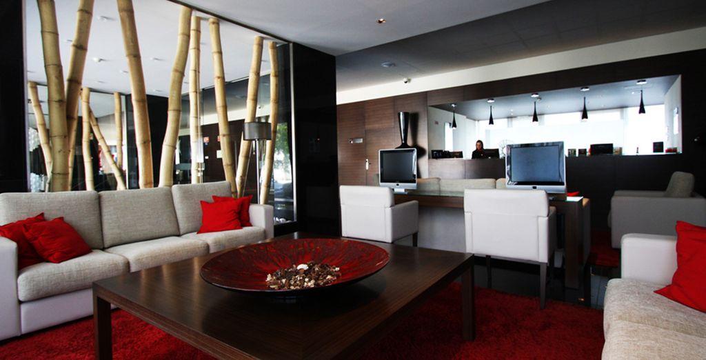 This modern hotel welcomes you... - Bessa Hotel**** - Porto - Portugal Porto