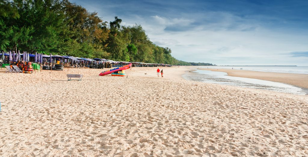 Then finish your journey on Cha Am Beach