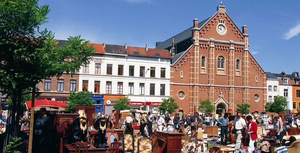 Visit some of the famous markets