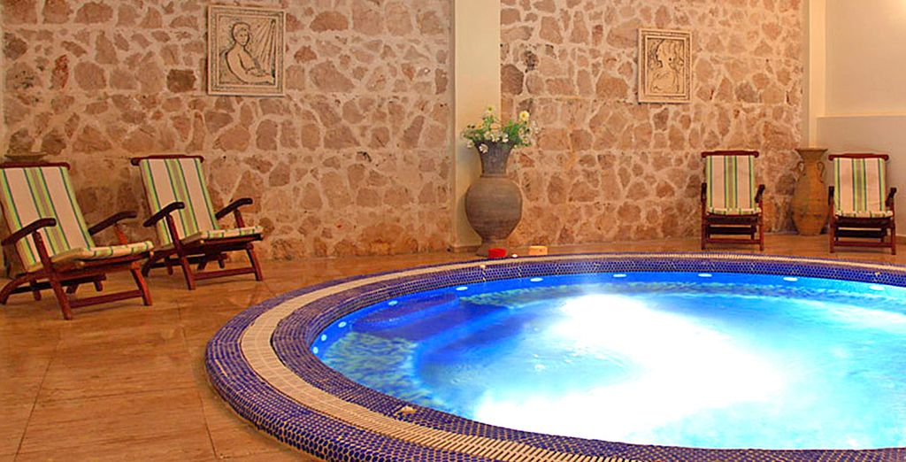 Featuring a small, relaxing spa
