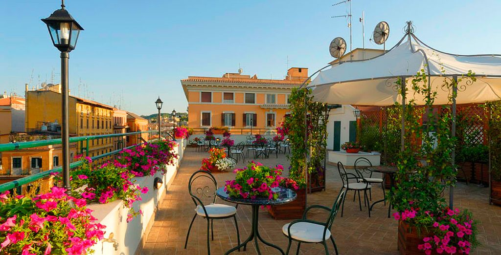Stay at the charming Atlante Garden Hotel