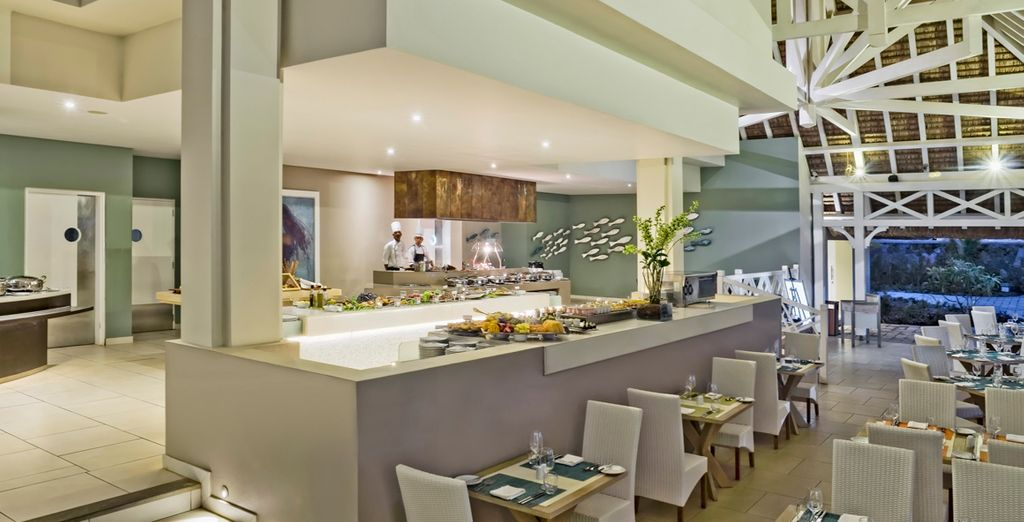 Discover the hotel facilities including a fabulous buffet restaurant
