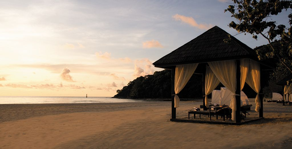 Discover the tranquil beaches of Kota Kinabalu