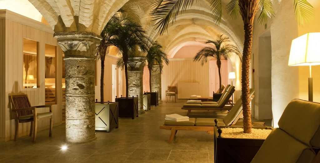 Unwind in 13th century spa cellars - Grand Hotel Casselbergh 4* Bruges