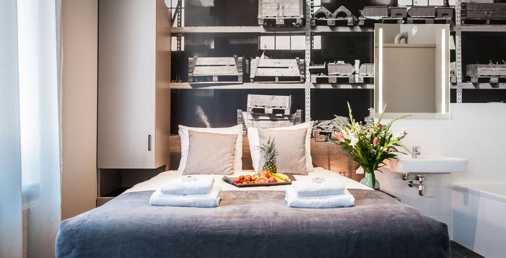 Apartments 1,2 & 3  : The decor is sleek and contemporary - there are 2 double beds