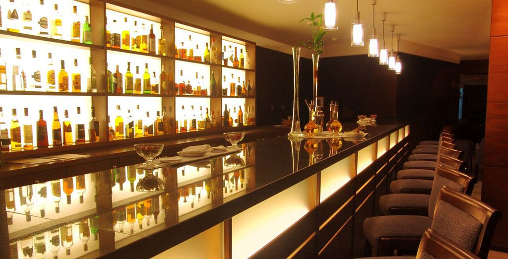 Finish your day at the stylish piano bar