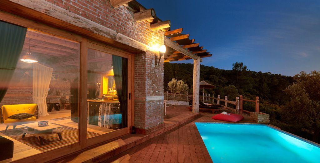 Unwind by the pool (Casa De Niro)
