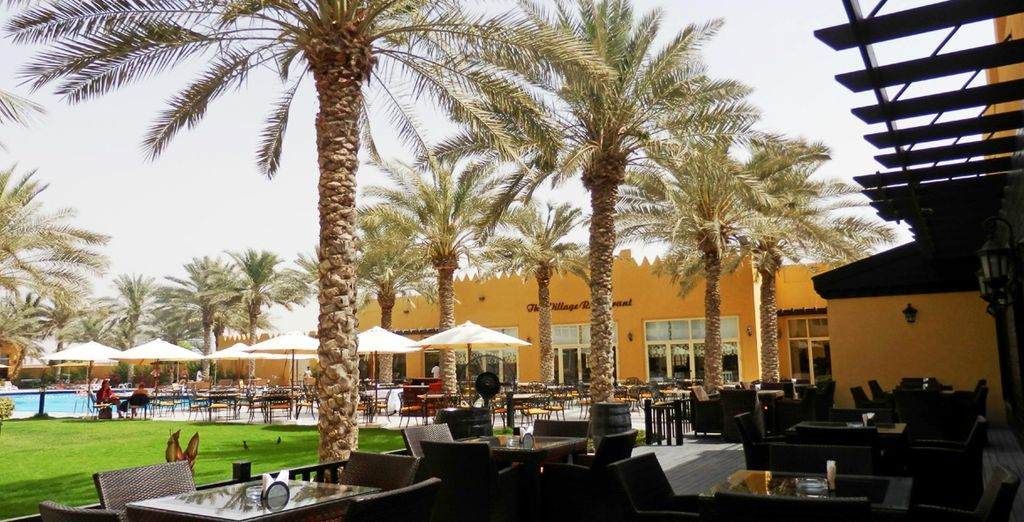 Dine al fresco under the Arabian sun - it's all included