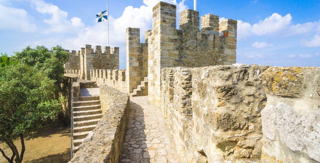 Uniquely located, within the walls of Castelo de São Jorge