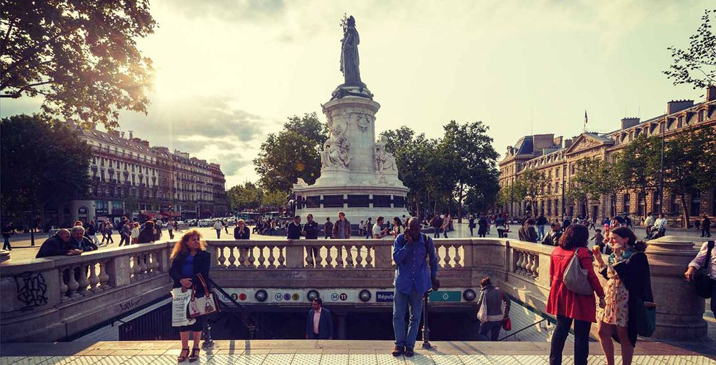 Your hotel opens out directly onto the Republique Square soaccess to the rest of Paris is at your fingertips