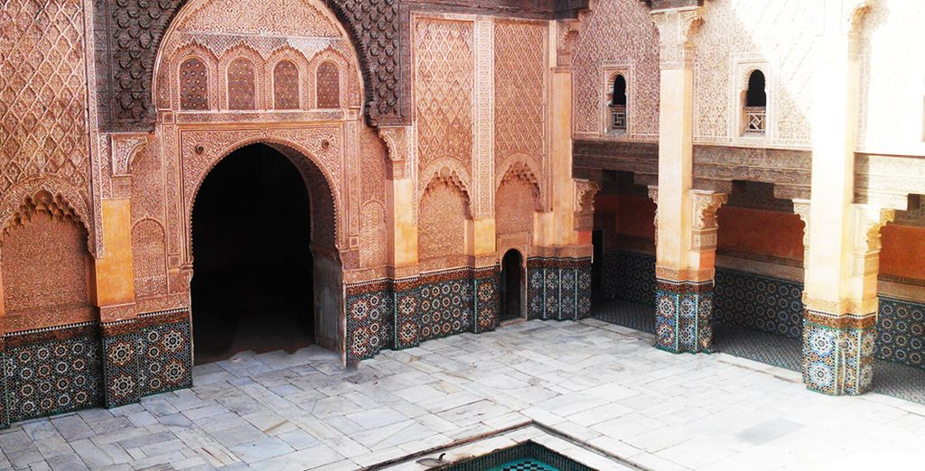Before stopping to contemplate the Ben Youssef Madrasa