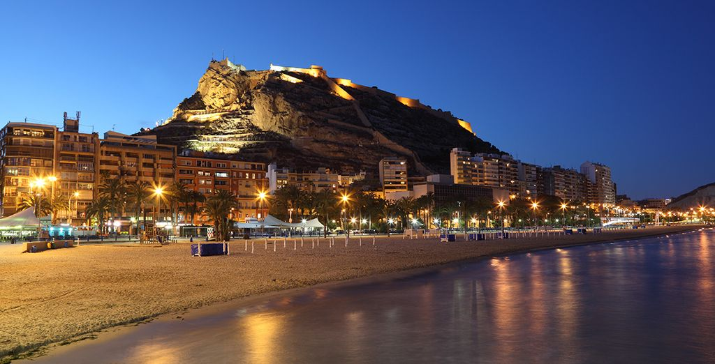 Alicante's waterfront position gives it a wonderful buzz at any time of year