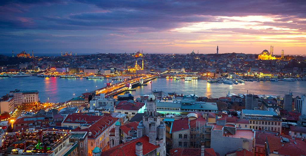 Stay in  the Pera district - the centre of culture, art & fine dining - Radisson Blu Istanbul Pera 5* Istanbul