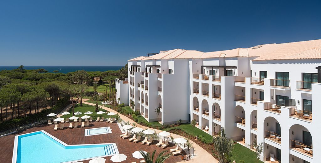 Pine Cliffs Ocean Suites 5* - easter family getaway