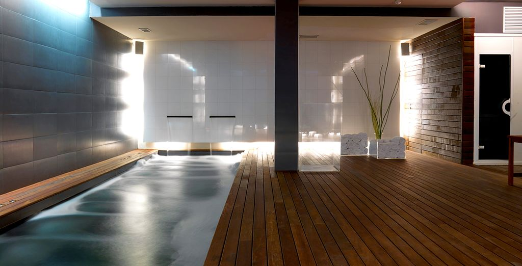 Then in the afternoon, return to the hotel's tranquil Bodyna Spa - you have a free entry