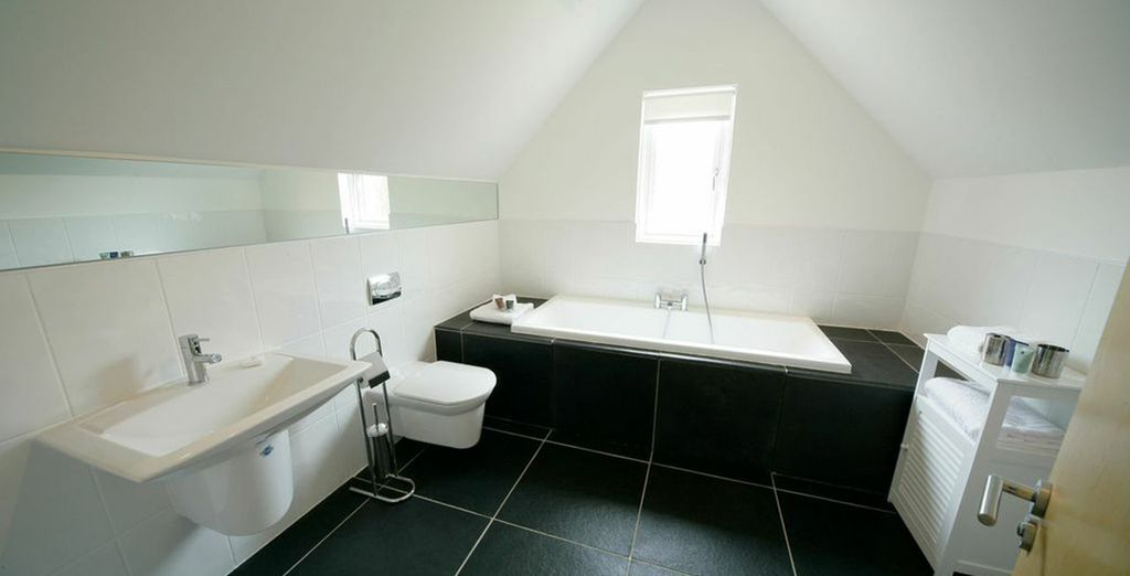 And a deluxe bathroom