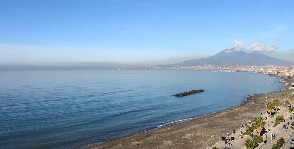 And Mount Vesuvius.... - Hotel Miramare Stabia 4* Sorrento