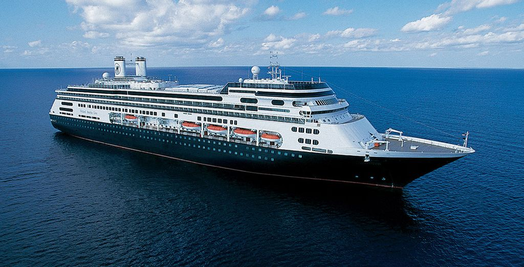 Embark on an unforgettable 14 night cruise and be captivated by the wonders of Asia