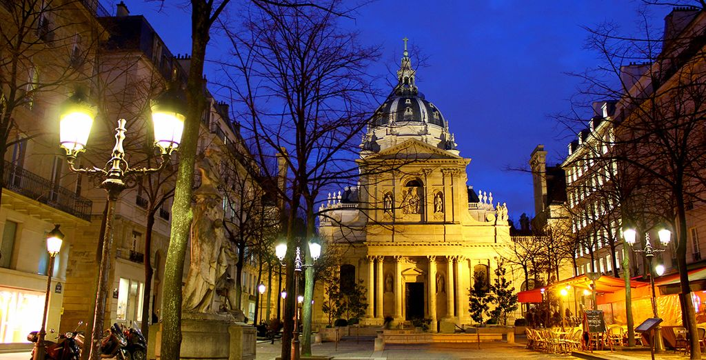 Located on the left bank, near the vibrant Latin Quarter