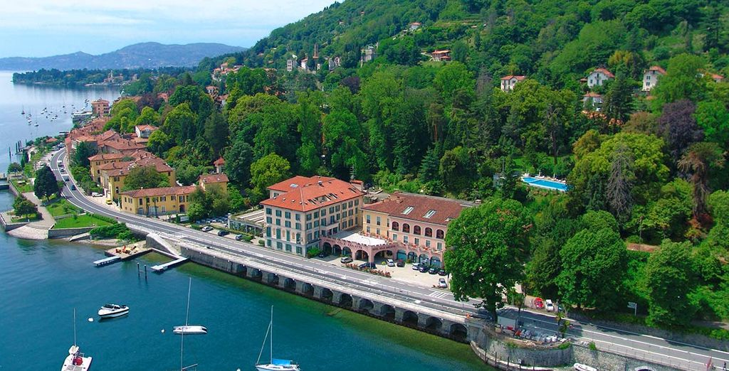 Treat yourself to an unforgettable stay at the picturesque Hotel Villa Carlotta 4*