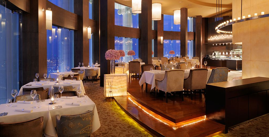 This stunning hotel boasts fantastic 5* facilities