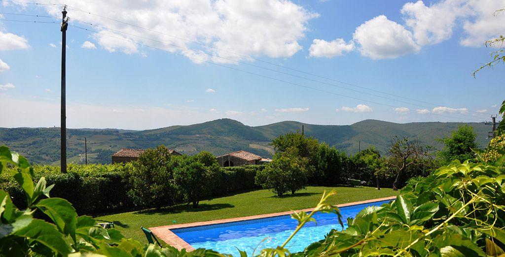 A region famed for its delicious food & wine - Agriturismo Borgo Castelvecchi Historical Mansion  Siena