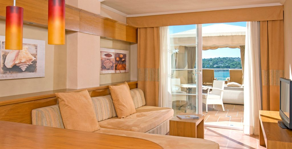 And has a spacious layout and a wonderful sea view