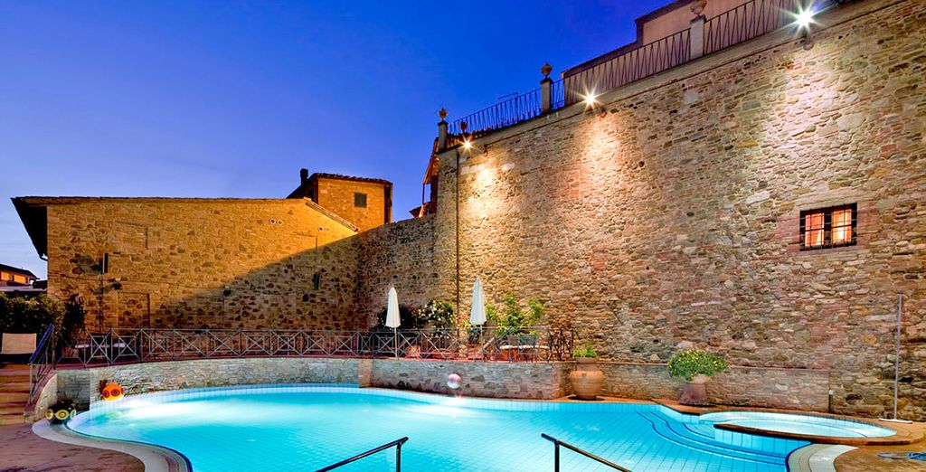 Imagine an evening dip in the pool - UNA Palazzo Mannaioni 4* Pisa