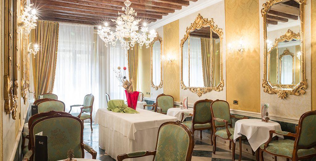 This glorious palazzo boasts stunning interiors - Boscolo Bellini 4* Venice