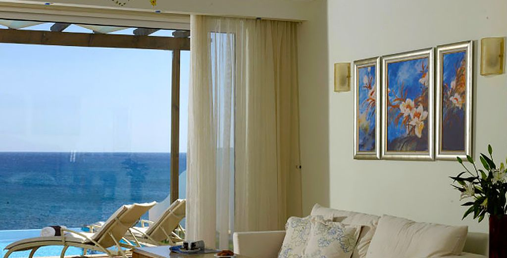 Or indulge in the luxury of a Deluxe Sea View Room with private pool