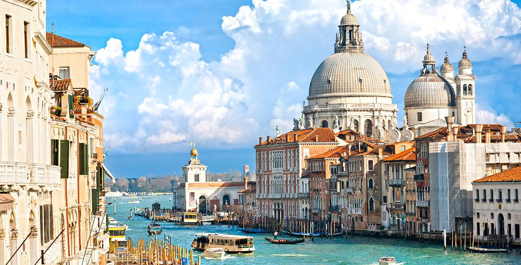 An unbeatable location overlooking the waters - Hotel Carlton on the Grand Canal 4* Venice