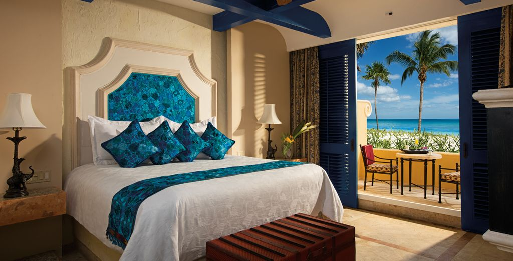 Tropical flare and chic design in one winning package