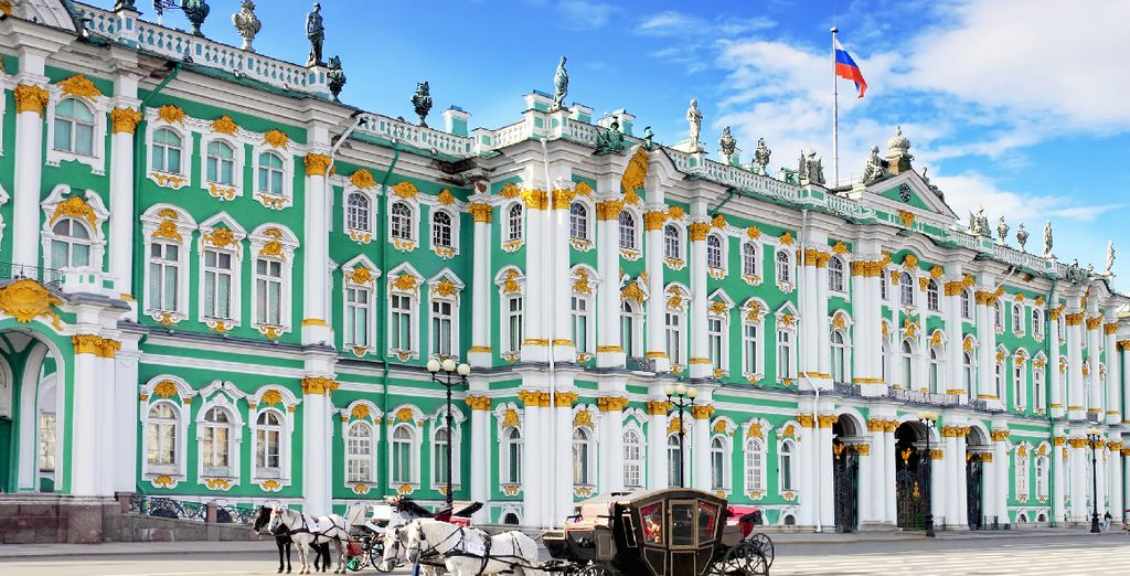Visit its most emblematic monuments, such as the Hermitage Museum ...