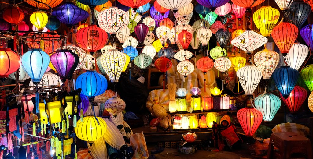 Explore Hoi An's local markets