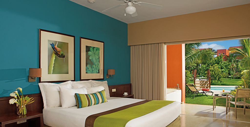 Enjoy a complimentary upgrade to the Deluxe Garden Swim Up Room
