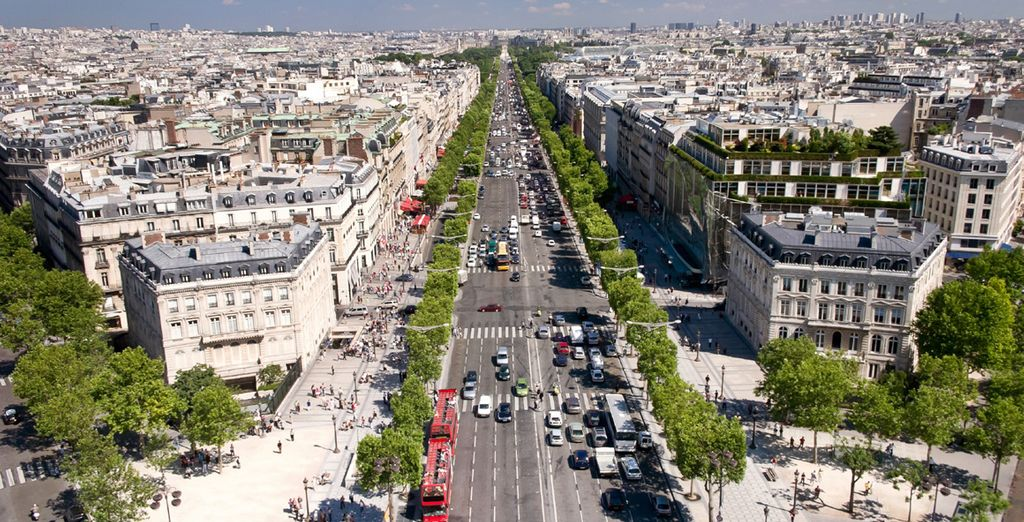 Located near the famous Champs Elysées